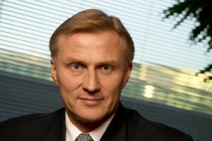 Anssi Vanjoki Vice President Mobile Phones Nokia
