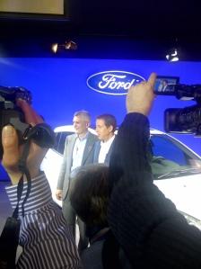 """Rechts im Bild: William Clay """"Bill"""" Ford, Urenkel von Autolegende Henry Ford"""